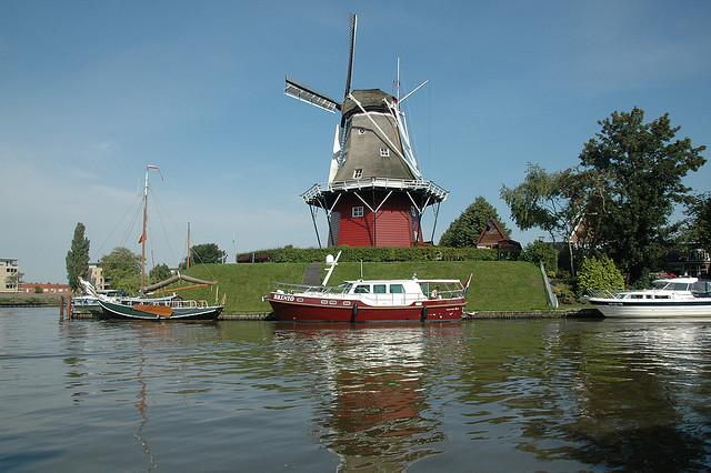 http://campingdokkum.nl/wp-content/uploads/2010/08/2711528534_bcb33c672a_z.jpg